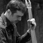 Ο Αλέξης Καλοφωλιάς, μουσικός και μεταφραστής δέχτηκε επίθεση στην οδό Χαλκοκνδύλη το 1998.